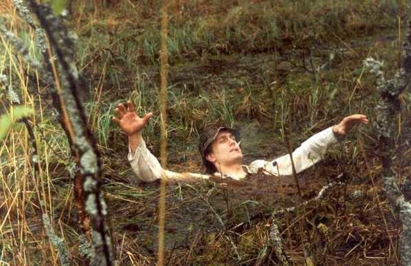 Почему болото засасывает?